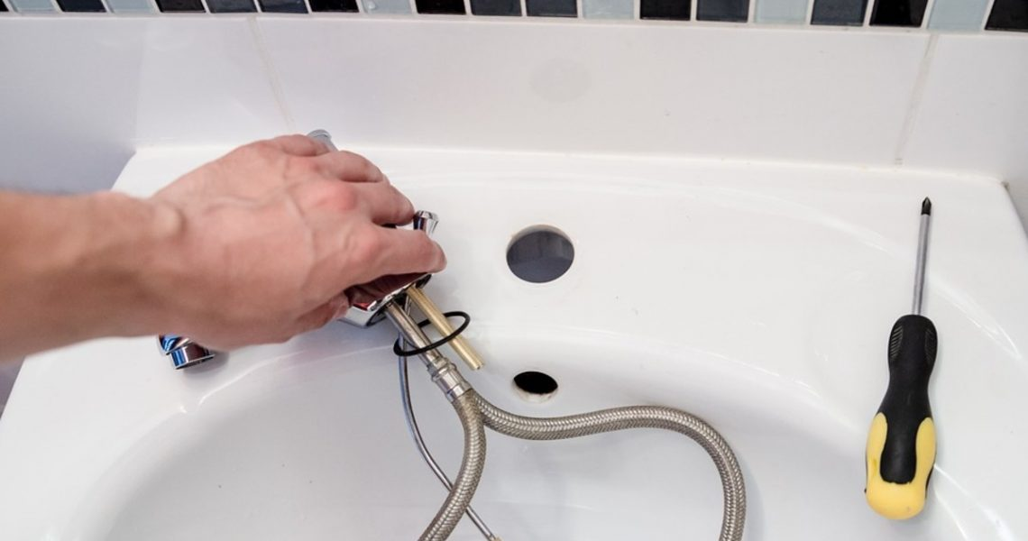 Don't Ever Try To Solve These Plumbing Issues By Yourself